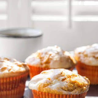 4-Ingredient Pumpkin Cheesecake Muffins.