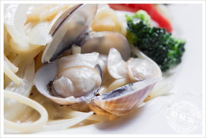 屏東南國咖啡奶油蛤蜊義大利麵