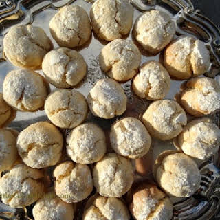 Soft And Crumbly Lemon Biscuits.