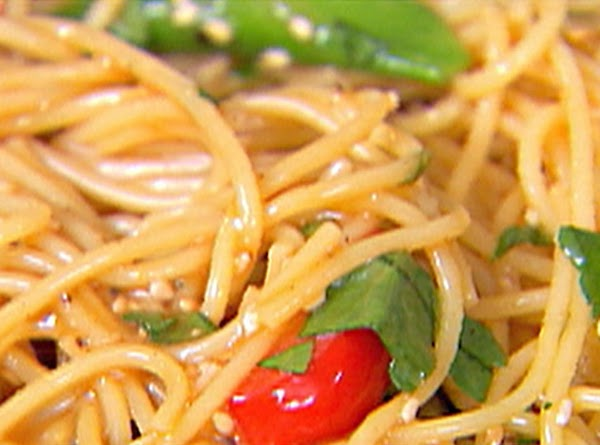 Crunchy Noodle Salad With Peanut Butter Recipe