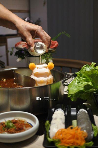 愛食鍋 - 不分季節就是愛食鍋,漢神百貨商圈高品質美味鍋物!壽星享優惠,今年幾歲就送幾隻蝦!