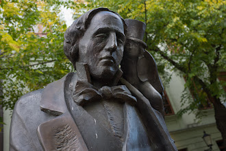 Photo: Many Statues in Bratislava. This one is Hans Christian Andersen.