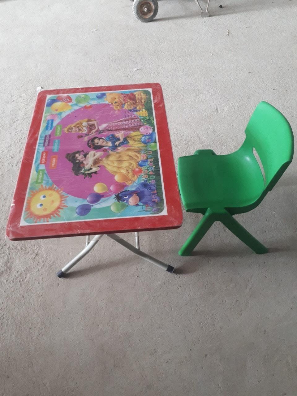 Bộ bàn nhựa & ghế đúc