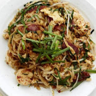 Char Kwai Teow (stir-fried Flat Rice Noodles)