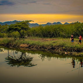 Shots this afternoon. Little Fisherman.  Location : Nusa village, Aceh Besar, Indonesia. by Muhammad Syuhada - Landscapes Waterscapes