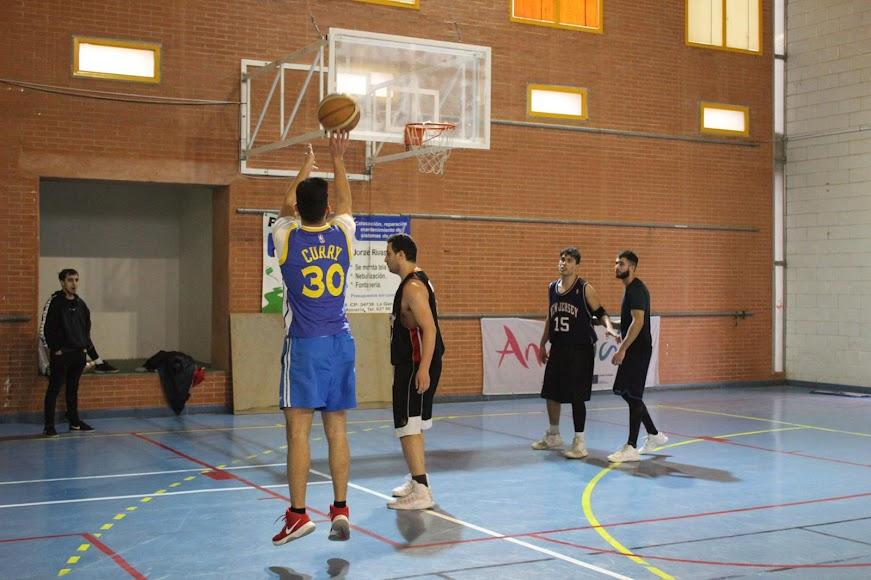 Actividad deportiva organizada dentro del marco del Hip Hop Street.