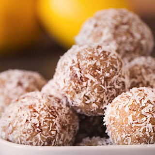 Lemon Coconut Power-Bites (raw, vegan, gluten-free)