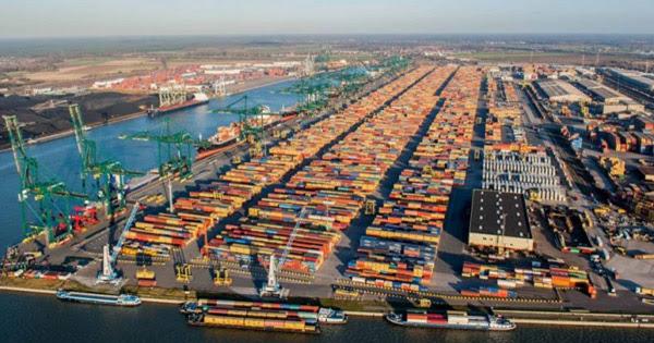 порт Антверпен в Бельгии