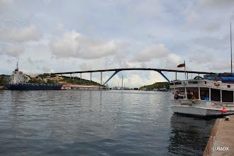 Photo: Puente que une Otrobanda con Puna