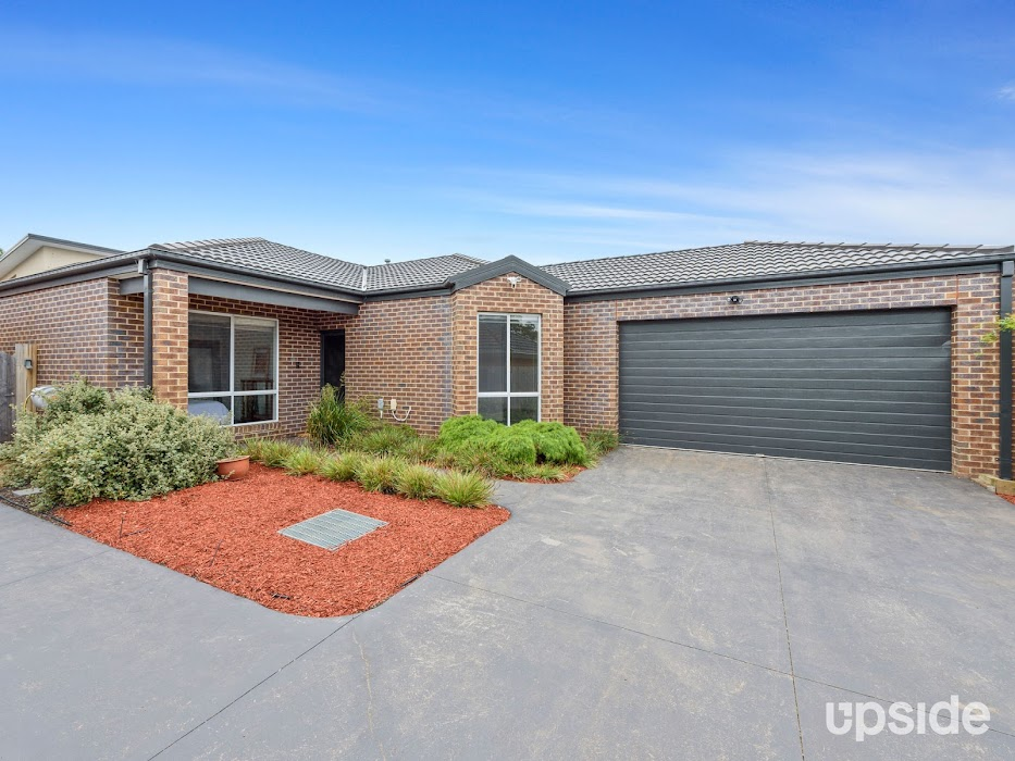 Main photo of property at 2/11 Simpson Road, Ferntree Gully 3156
