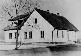 Photo: Stara szkoła w Rogoźniku.  Zdjęcie udostępnił ks. Paweł Skowron.