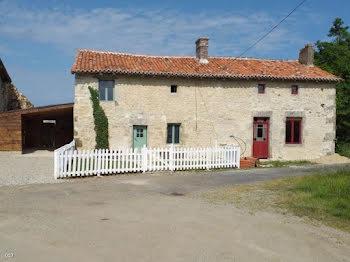 maison à Champagne-Mouton (16)