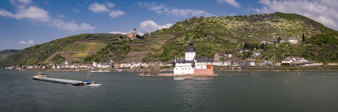 Photo: #Burg #Pfalzgrafenstein im #Rhein bei #Kaub  - #Castle Pfalzgrafenstein in the middle of the #river #Rhine at Kaub - #panorama #panoramic #panoramaphotography