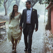 Wedding photographer Efrain alberto Candanoza galeano (efrainalbertoc). Photo of 24.10.2017