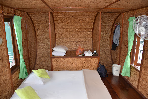 Overnight stay in a floating bungalow