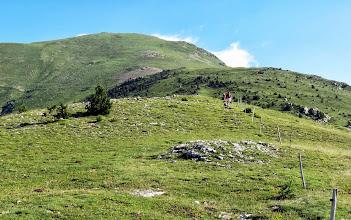 Photo: la montée est rude et le Costabona déjà tout prôche