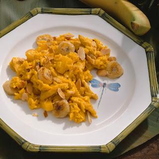 Curryreis mit Ananas und Banane