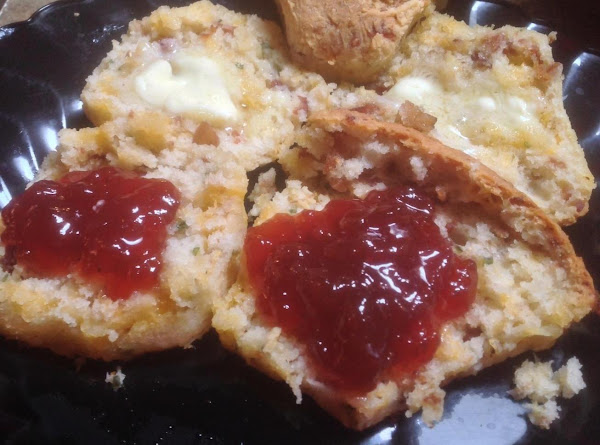 Bacon & Cheddar Brunch Biscuits Recipe