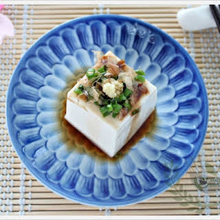 Hiyayakko (Japanese Cold Tofu).