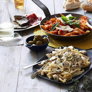 Penne Napolitana and Linguini with Creamy Chicken.