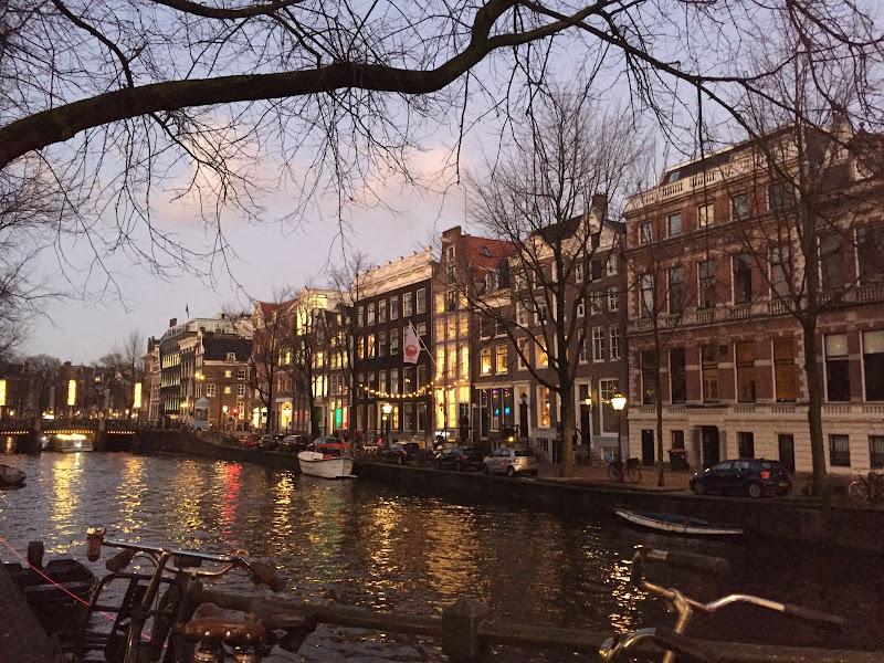 Amsterdam di zoe_suri_