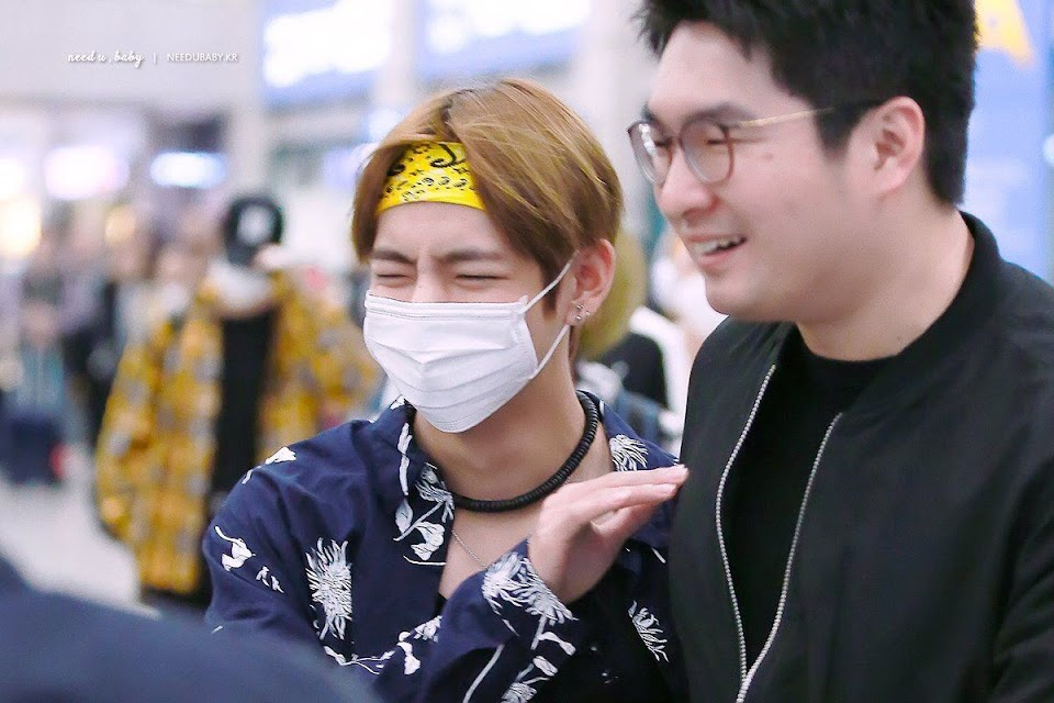 v manager laughing
