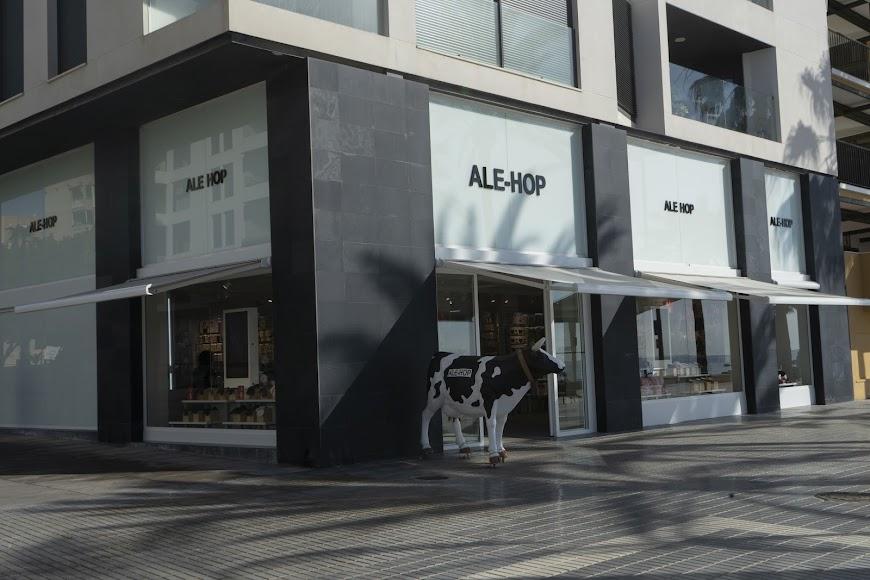 Uno de los últimos negocios que ha abierto en el Paseo de Almería.