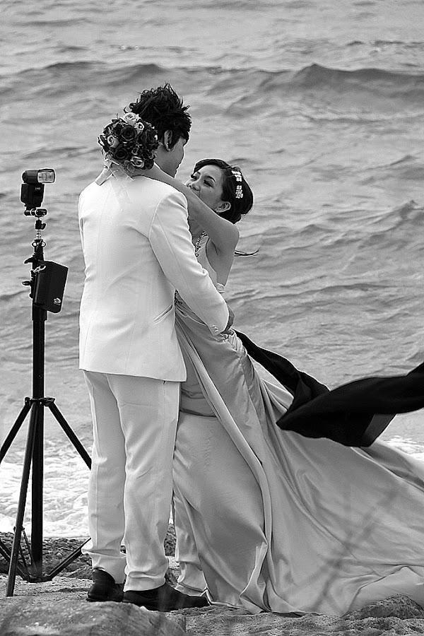 by SimonArtPhotography® - People Street & Candids ( streetphotography, b&w, monochrome, wedding )