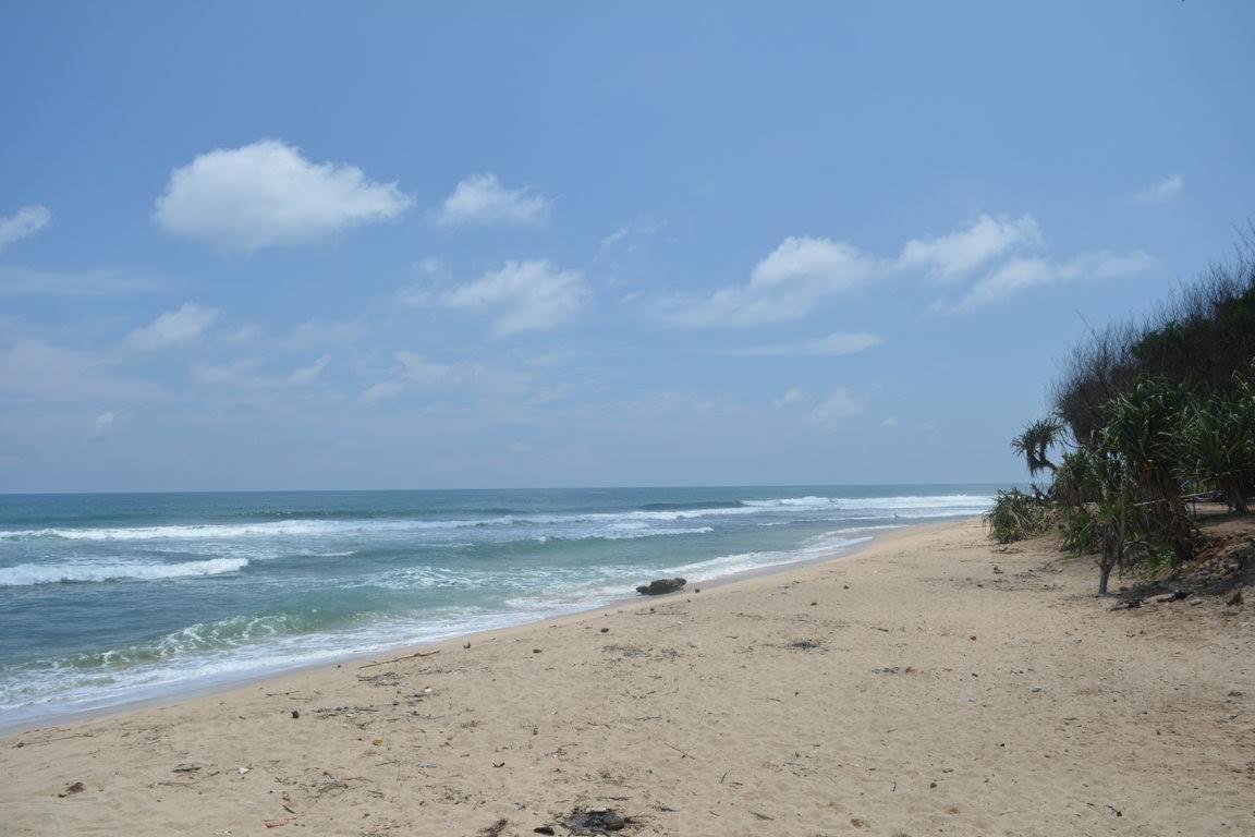 Pantai Sanglen Lokasi Terbaik Untuk Berenang
