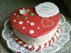 Photo: Torta receptek - Anyák napi csokoládékrémes szívtorta