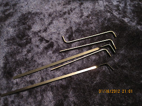 Photo: More tension wrenches. Three are Peterson (with the serrated edges).