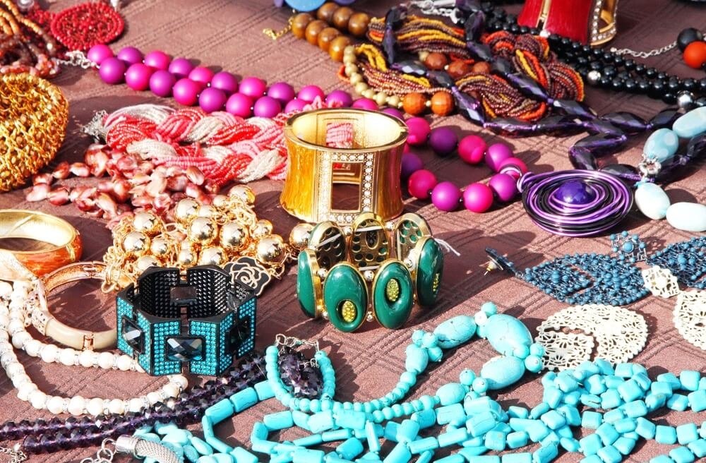 How to start a jewelry business online and sell effective in 2021