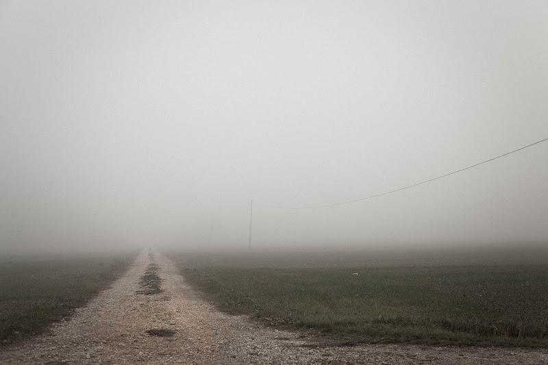 """Chiedi alla nebbia"". di daniela giannangeli"