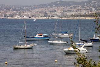 Photo: Autour de l'île il y a beaucoup de bateau.
