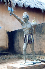 Photo: Statue de Changó dans le Palais royal de Porto Novo - 1997
