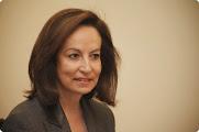 Photo: Άννα Διαμαντοπούλου (Ερπετάνθρωπος, Κρόνια-Nephilim, Ελληνίδα Εβραία πολιτικός, πρώην υπουργός και βουλευτής Α΄ Αθήνας με το ΠΑΣΟΚ, κατάσκοπος Ισραηλινών Μυστικών Υπηρεσιών). Δείτε επίσης: http://www.dionisos12.com/mysteria/kronia-gene/erpetanthropoi