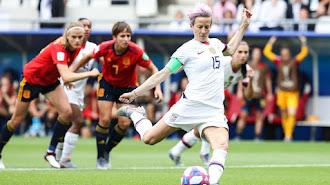 Un penalti derrota a España.