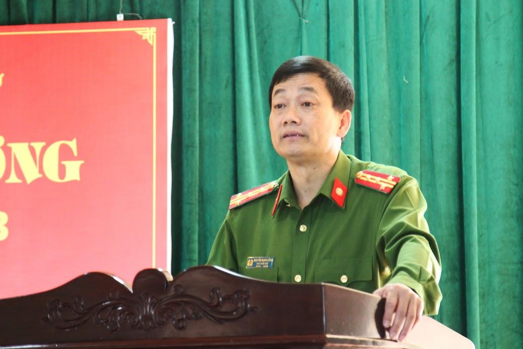 Đại tá Nguyễn Mạnh Hùng, Phó Giám đốc, Thủ trưởng Cơ quan CSĐT biểu dương thành tích của tập thể Ban chuyên án