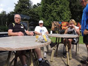 Photo: De wandelaars, die in Drachten zijn gestart, zijn gearriveerd en samen gaan we aan de koffie bij Baboeshka.