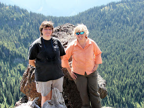 Photo: Linda and Polly at Noble Knob