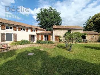 propriété à Saint-Sauvant (86)