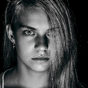 Elzaan by Shane Vermaak - Black & White Portraits & People ( portraiture, canon, model, female, black and white, stare, teenager, blue eyes )