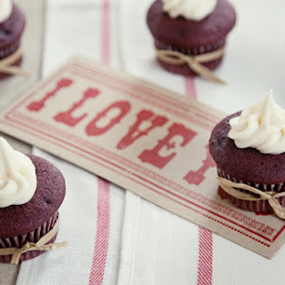 Red Velvet Cupcakes with Cinnamon Cream Cheese Frosting