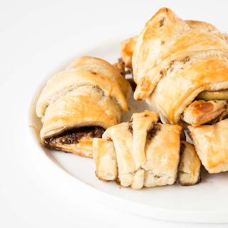 Easy Apple Cinnamon Croissants.