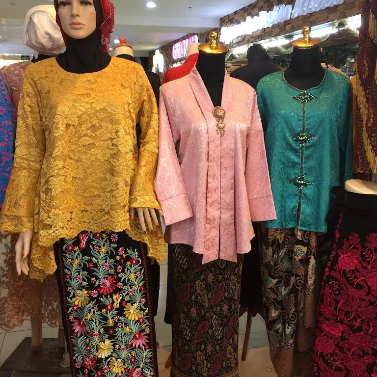 Wenny Collection Kebaya