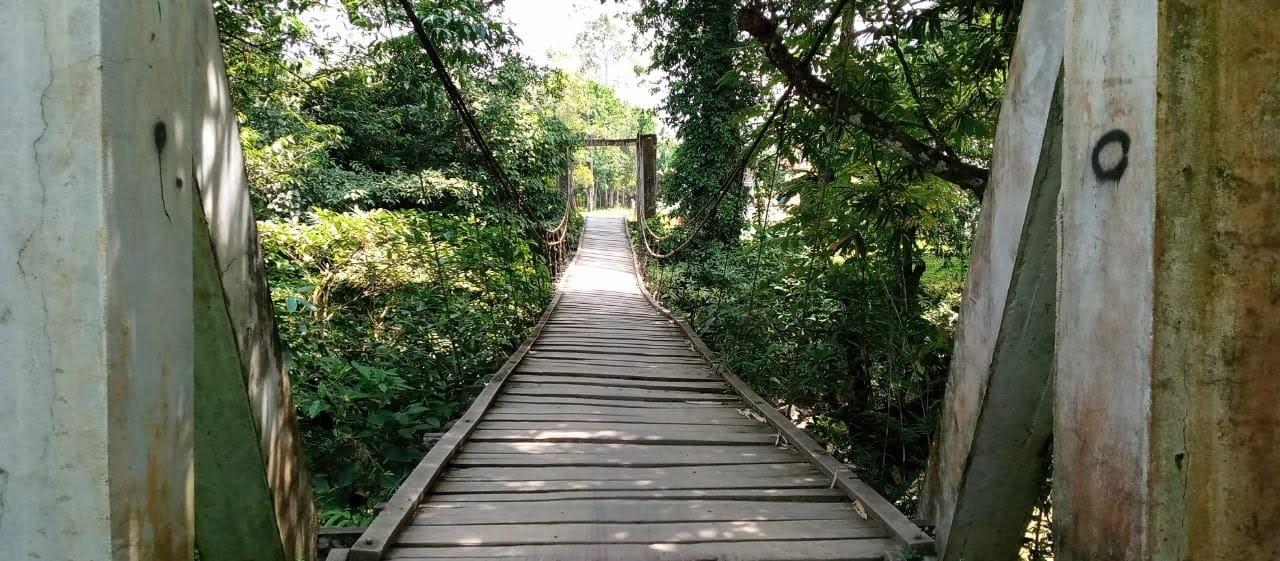 Gawat : Jembatan Penghubung Dusun Sebawak Menuju ke Kecamatan Sui Betung Perlu Perhatian