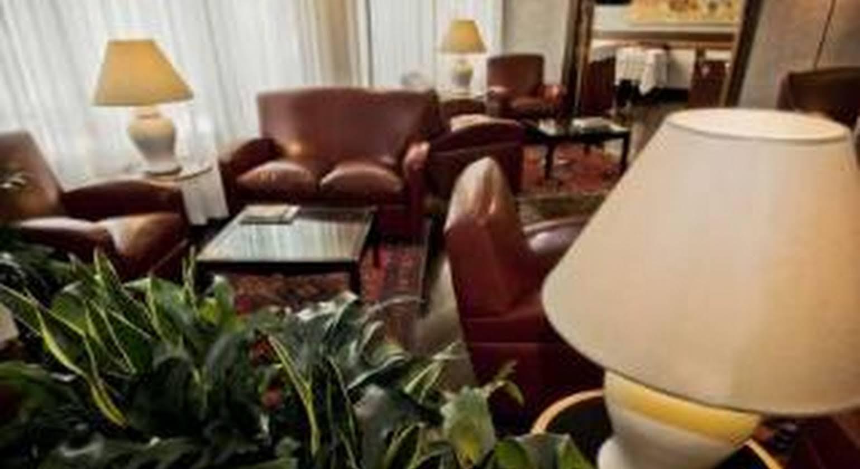 Meeting Hotel
