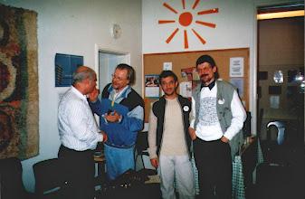 Photo: Miralaiset suunnittelevat ohjelman.  Kuvassa Matin Mohammadfarogh, Lasse Hjelt,  Farkhod Khakimov ja Harri Niskanen. Harri aloitti keskustelun.