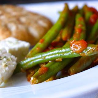 Traditional Greek Green Beans recipe (Fasolakia Giaxni)