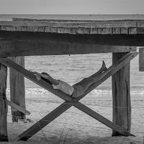 Relax.. by Amro Labib - Black & White Street & Candid ( natural light, wood, black and white, relax, street, holidays, ocean, architecture, beach, travel, landscape, blackandwhite, girl, nature up close, portraits, ocean view, sand, perth, sea, relaxation, fun, relaxing, woods, portrait, street photography, portraiture, holiday, australia, summer, hammock, natural )